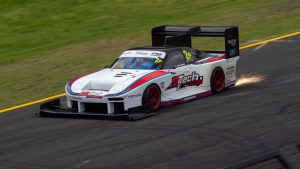 Barton Mawer wins World Time Attack with sparks flying from his car